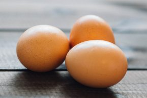 https://www.pexels.com/photo/food-eggs-8439/